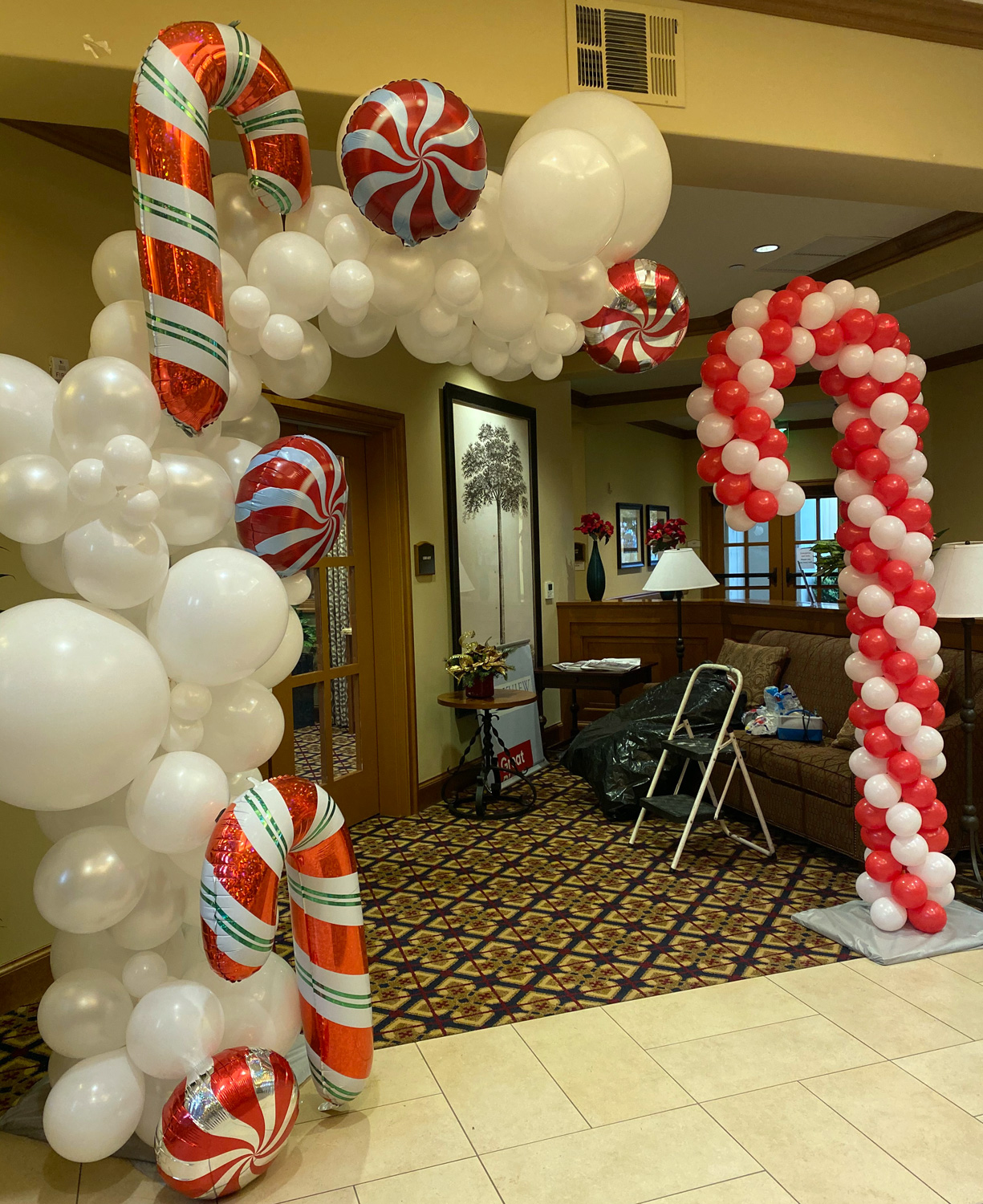 Bay Area Balloon - Candy Cane Arch and Sculpture