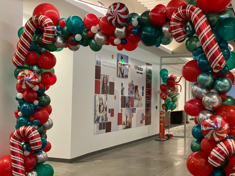 Bay Area Balloon - Christmas Candy Entryway
