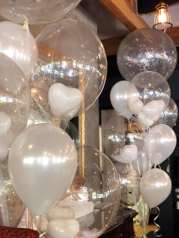 Bay Area Balloon - Elegant White Hearts Bouquet