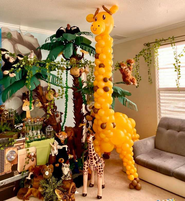 Bay Area Balloon - Giraffe Sculpture