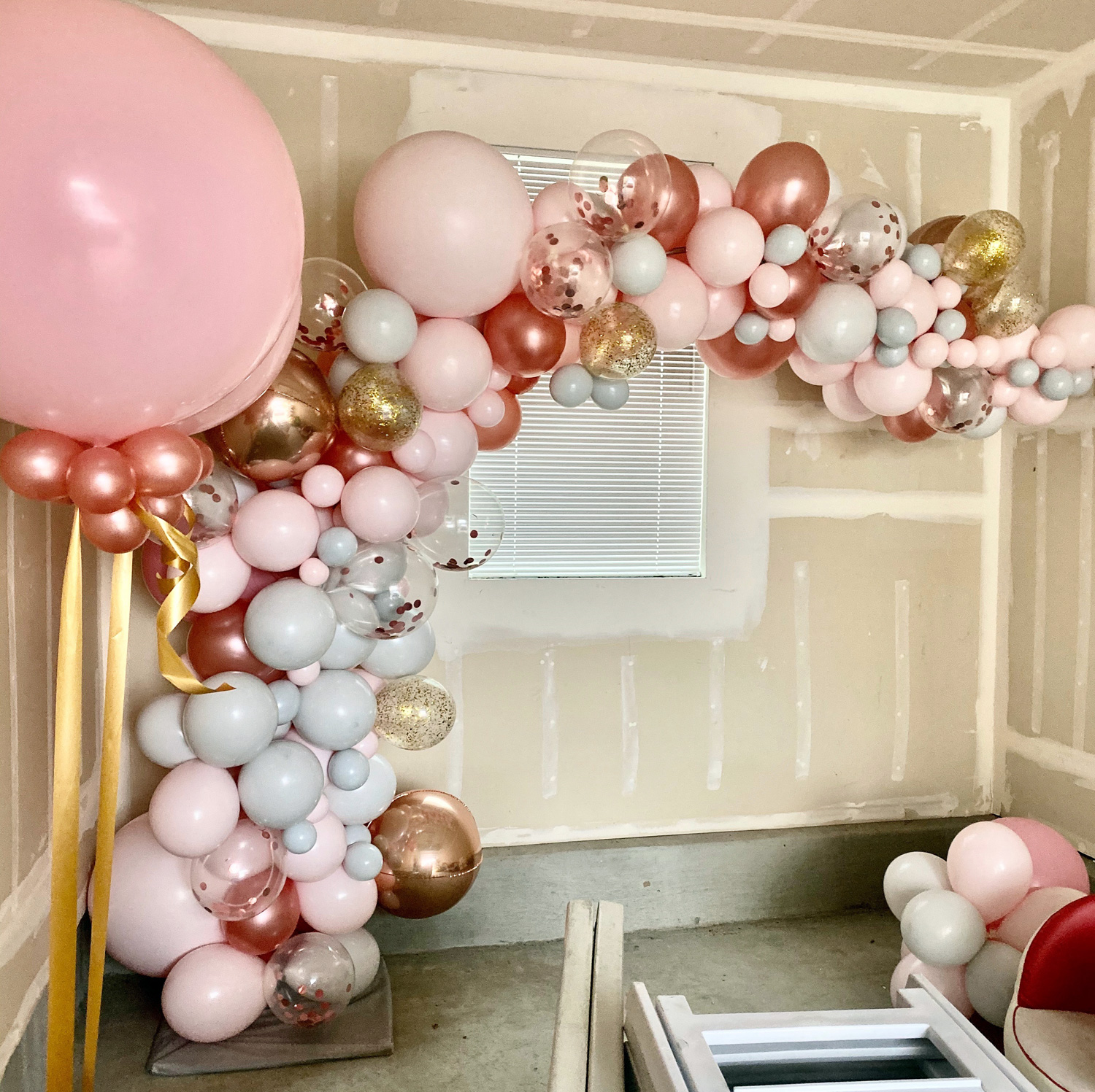 Bay Area Balloon - Pink and Gold Organic Arch