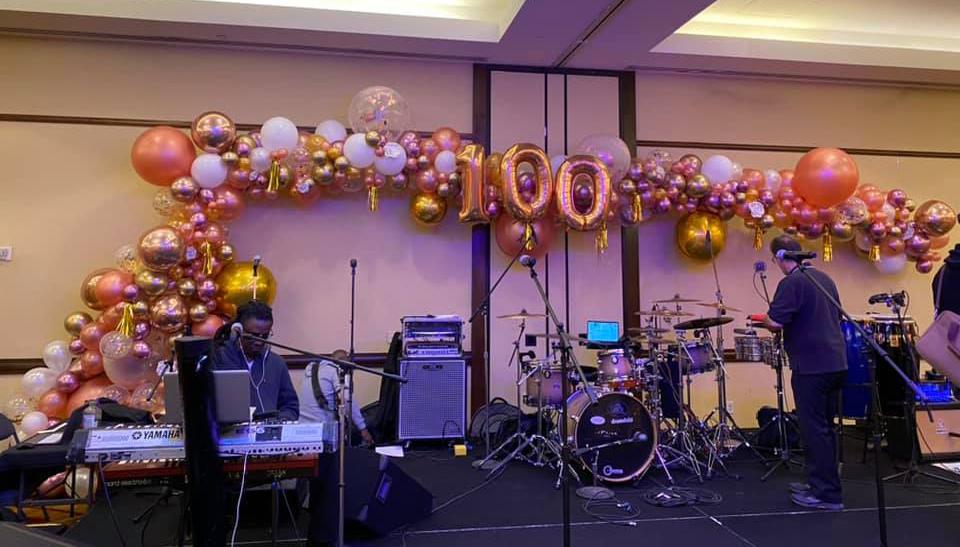 Bay Area Balloon Giant Golden Organic Arch